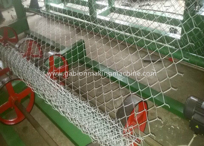 Professional Chain Link Mesh Machine , Diamond Mesh Fencing Machine For Road